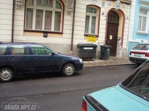 Jak parkuje blbec... - obrázek od Ratoo vložen 31.03.2010 09:51:14