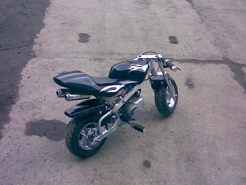 43319d37f1114 zvětšit minibike ilegal racing - obrázek od ogi vložen 03.02.2008 20:54:39